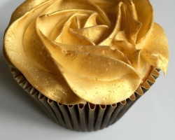 zlat∞_cap_cake